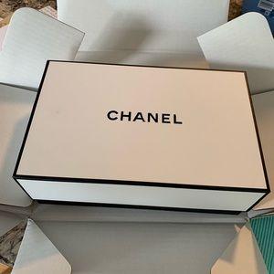 FLASH SALE Small Chanel box